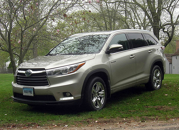 which suv is better chevy traverse or toyota highlander autos post. Black Bedroom Furniture Sets. Home Design Ideas